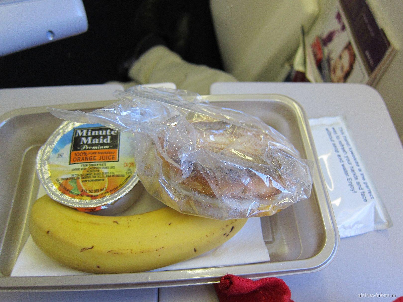 Питание на рейсе Нью-Йорк-Москва авиакомпании Дельта
