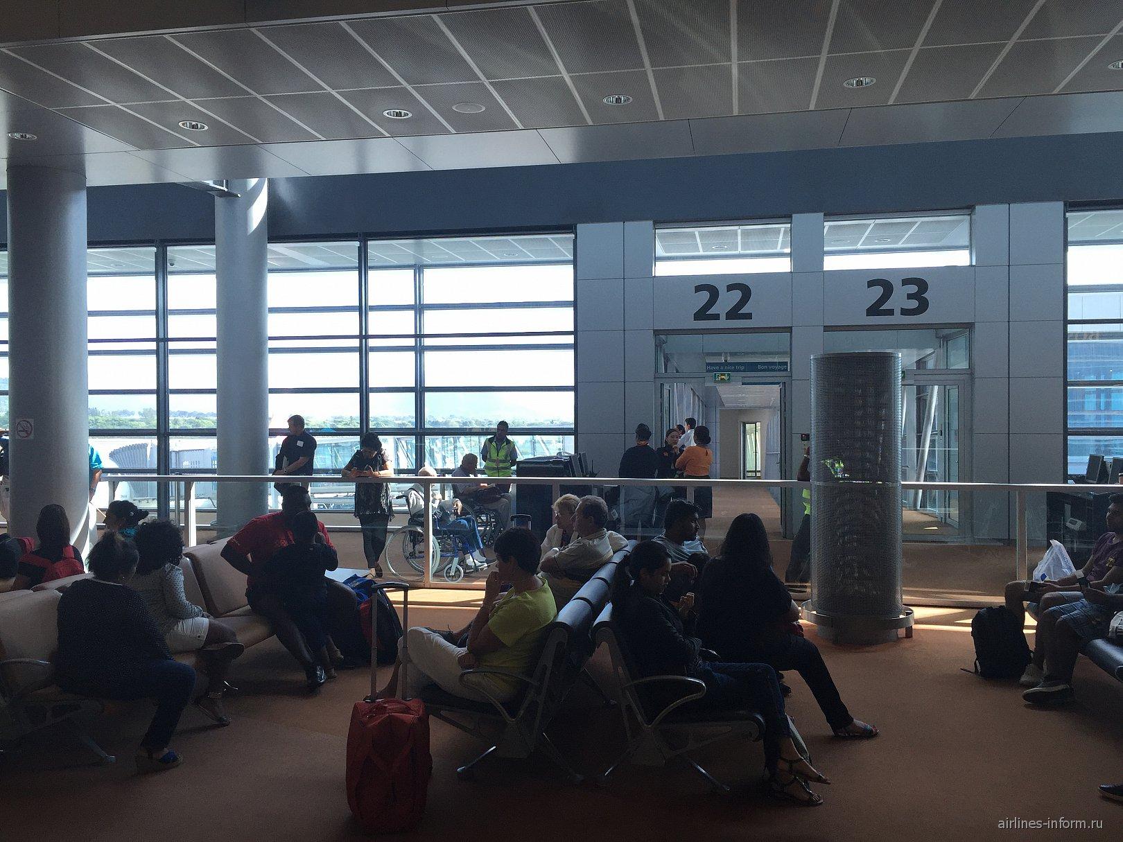 Выход на посадку в аэропорту Сэр Сивусагур Рамгулам