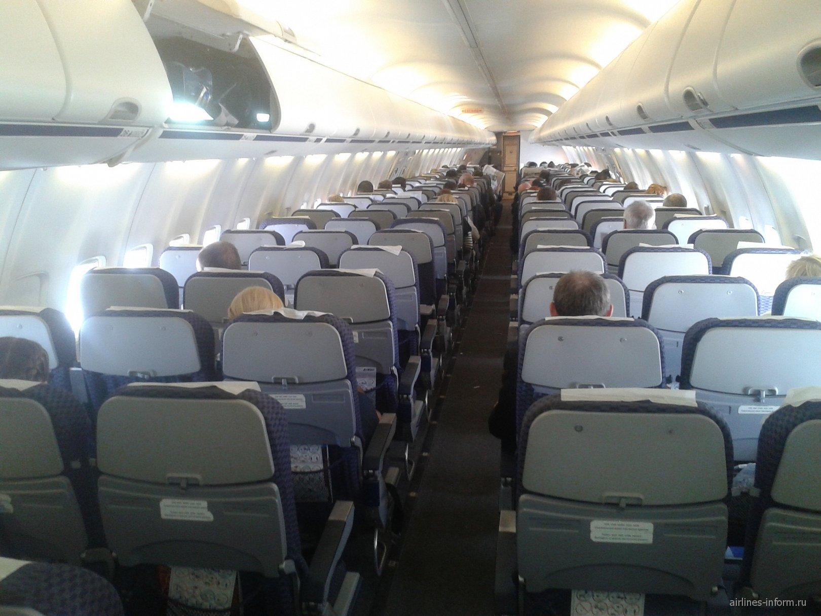 Салон самолета Боинг-737-800 VQ-BJG авиакомпании ЮТэйр