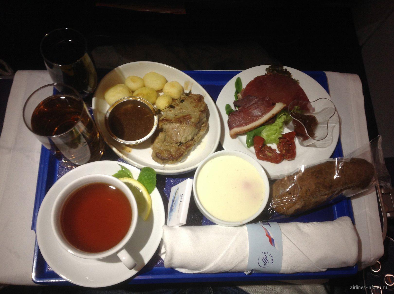Питание бизнес-класса на рейсе Аэрофлота Санкт-Петербург-Москва