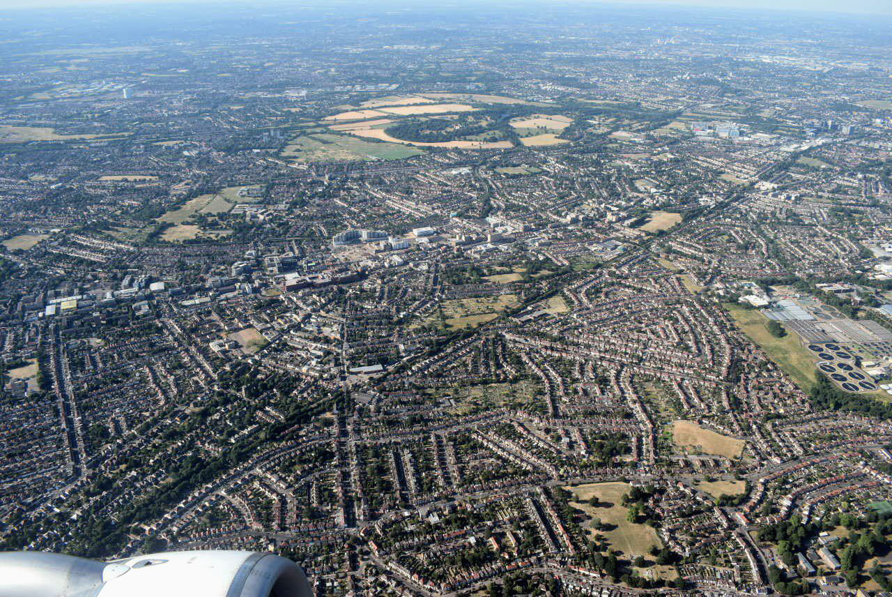 Вид на окрестности Лондона при взлете из аэропорта Хитроу