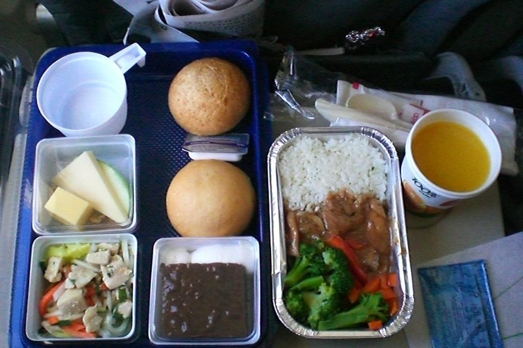 Питание на рейсе Гонконг-Новосибирск авиакомпании S7 Airlines