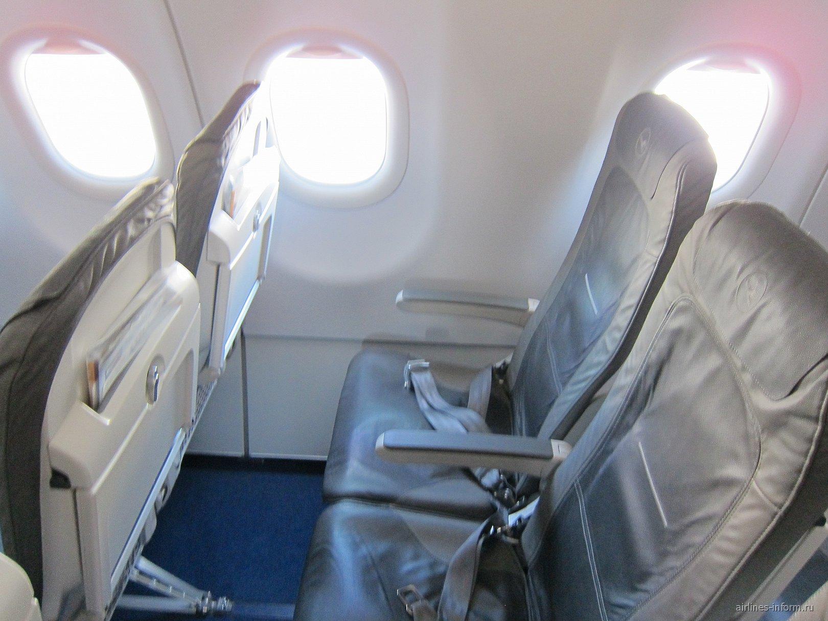 На борту самолета Airbus A321 авиакомпании Lufthansa