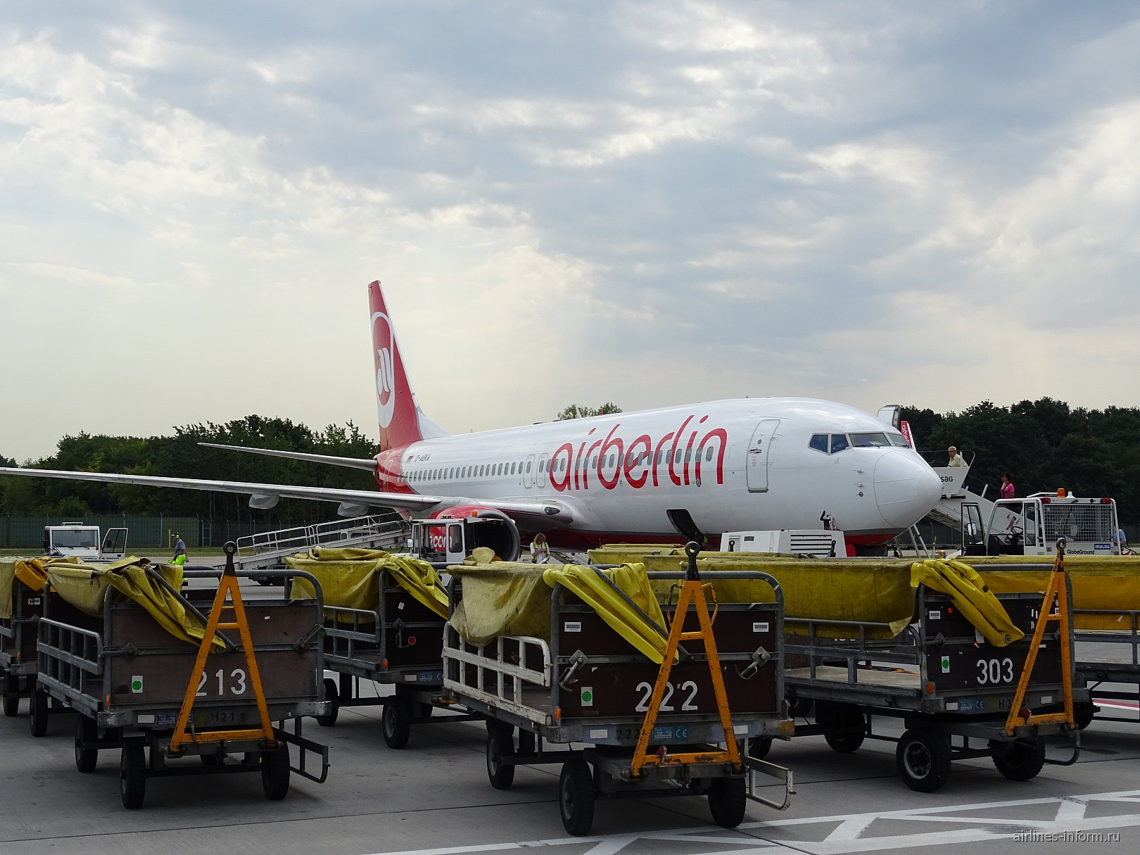 "Боинг-737-800 авиакомпании ""airberlin"" в аэропорту Берлин Тегель"