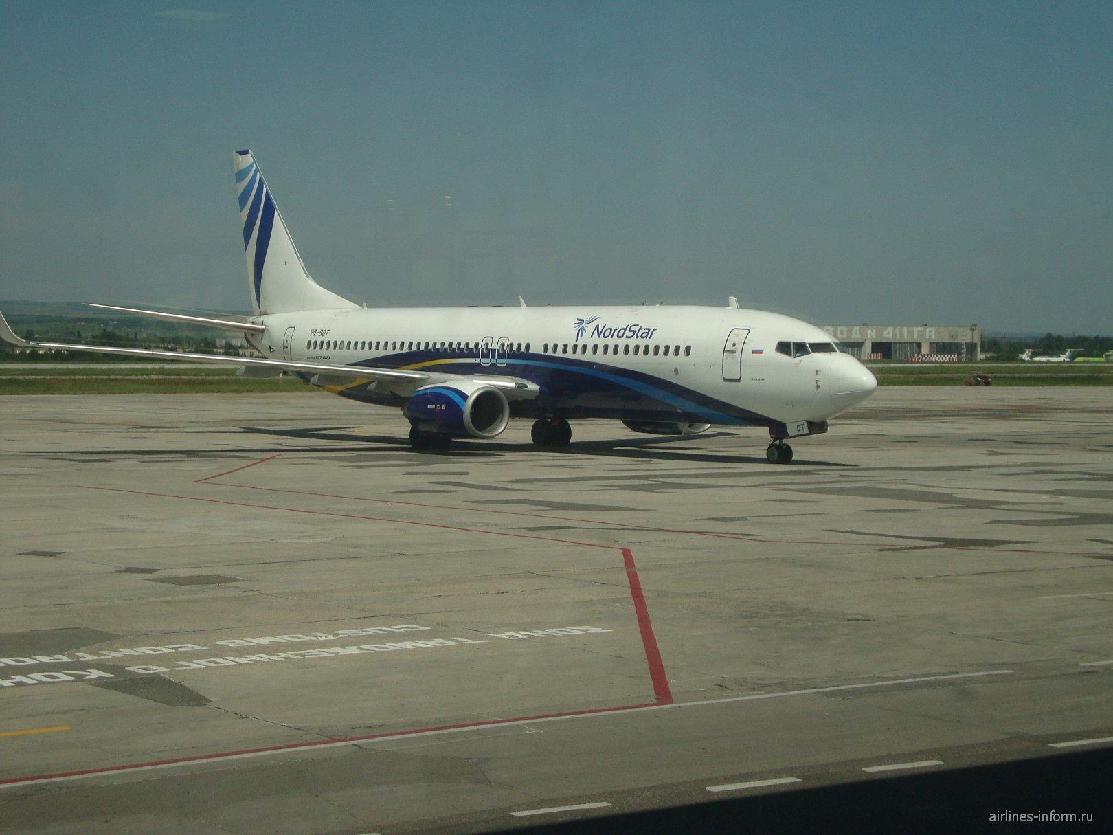 Боинг-737-800 NordStar в аэропорту Минеральные Воды