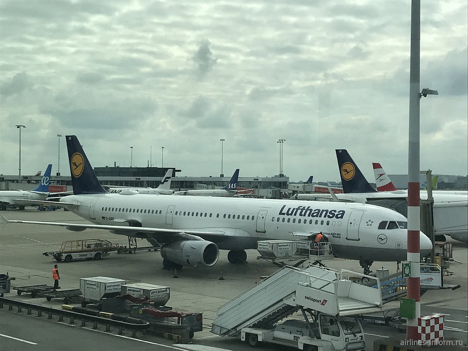 Амстердам (AMS) - Франкфурт (FRA) на Airbus A321 авиакомпании Lufthansa (100 фото)