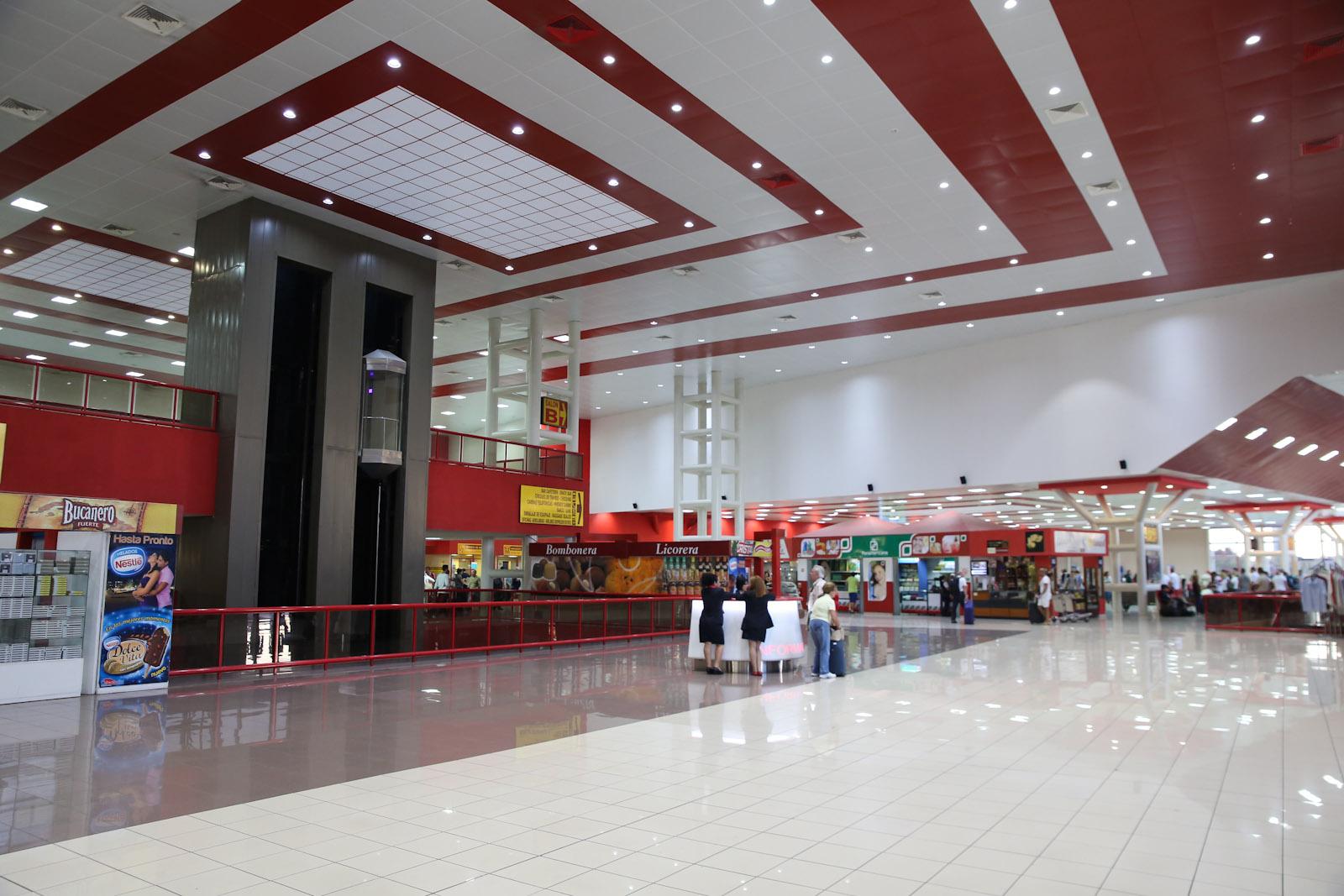 В международном терминале аэропорта Гавана Хосе Марти