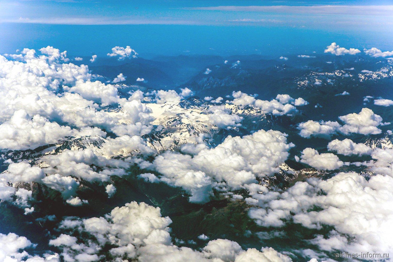 Горы Альпы в Швейцарии