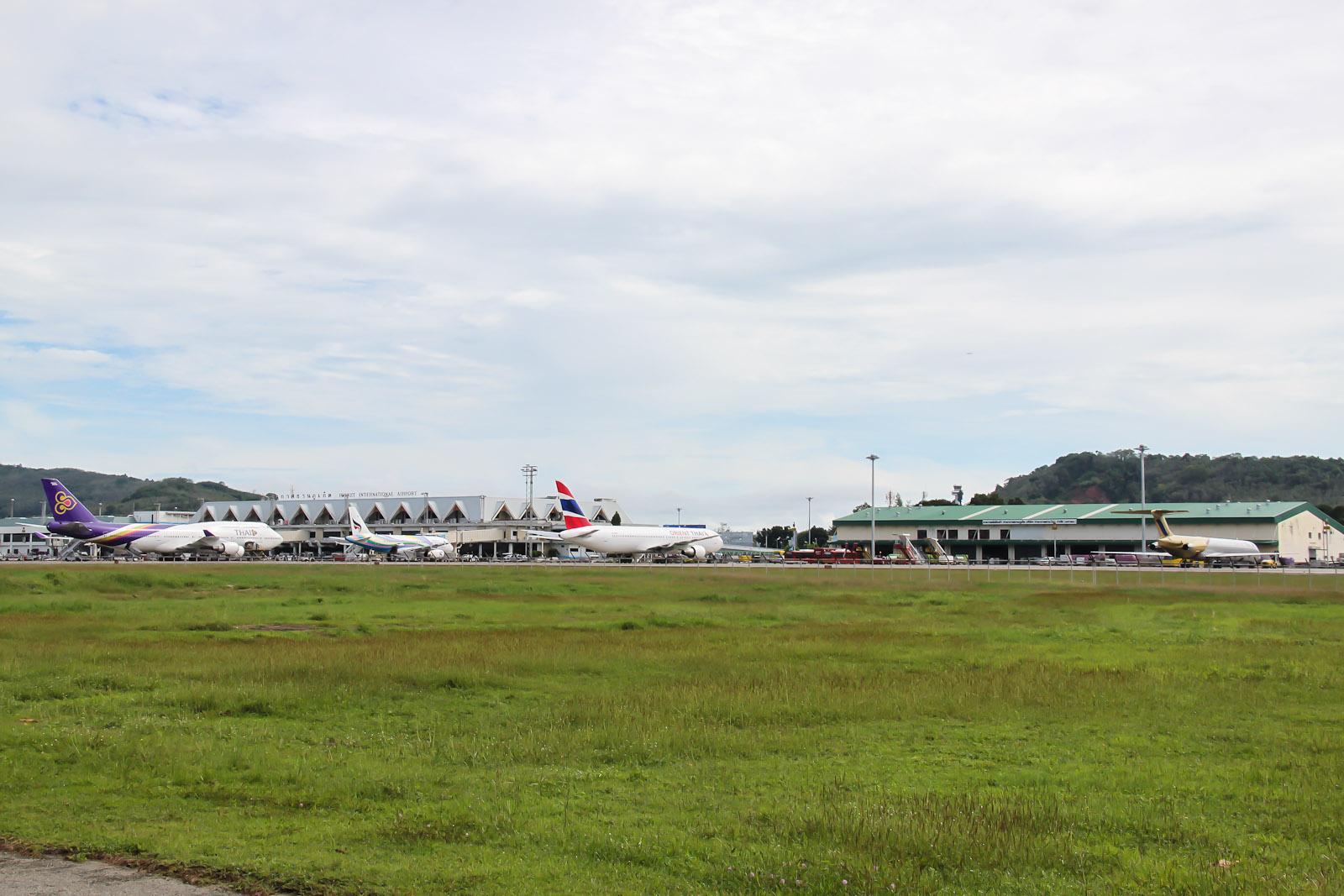 Летное поле аэропорта Пхукет