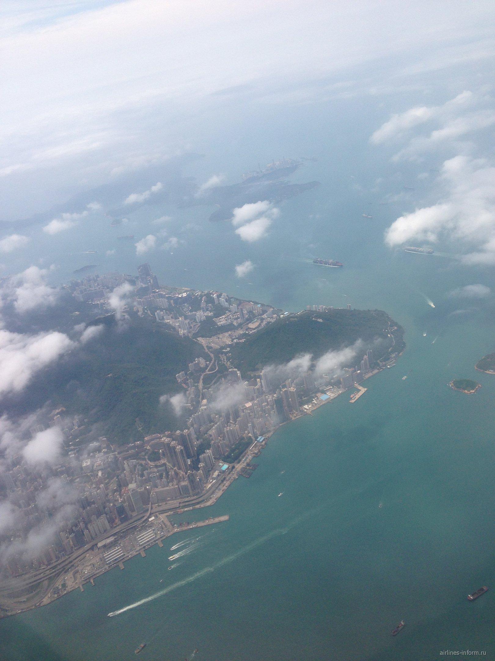Вид на Гонконг из самолета
