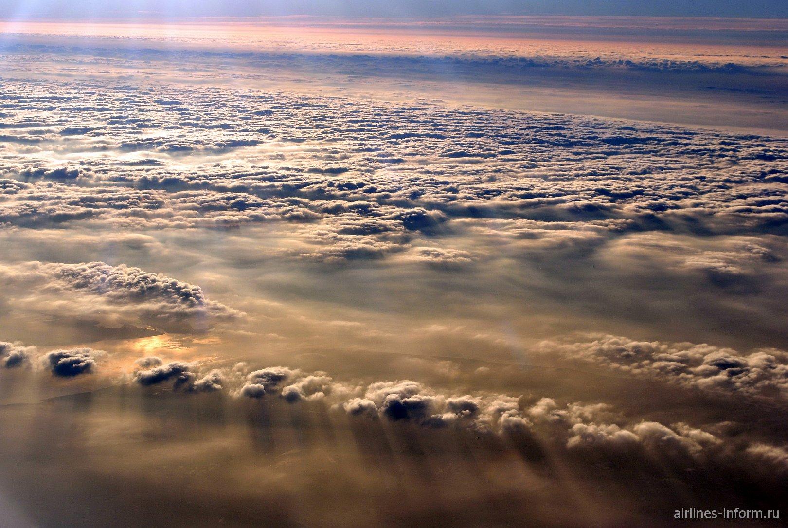 Облака над Темзой на рассвете