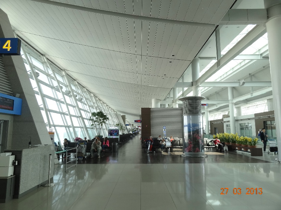 Залы ожидания в чистой зоне аэропорта Сеул Инчхон