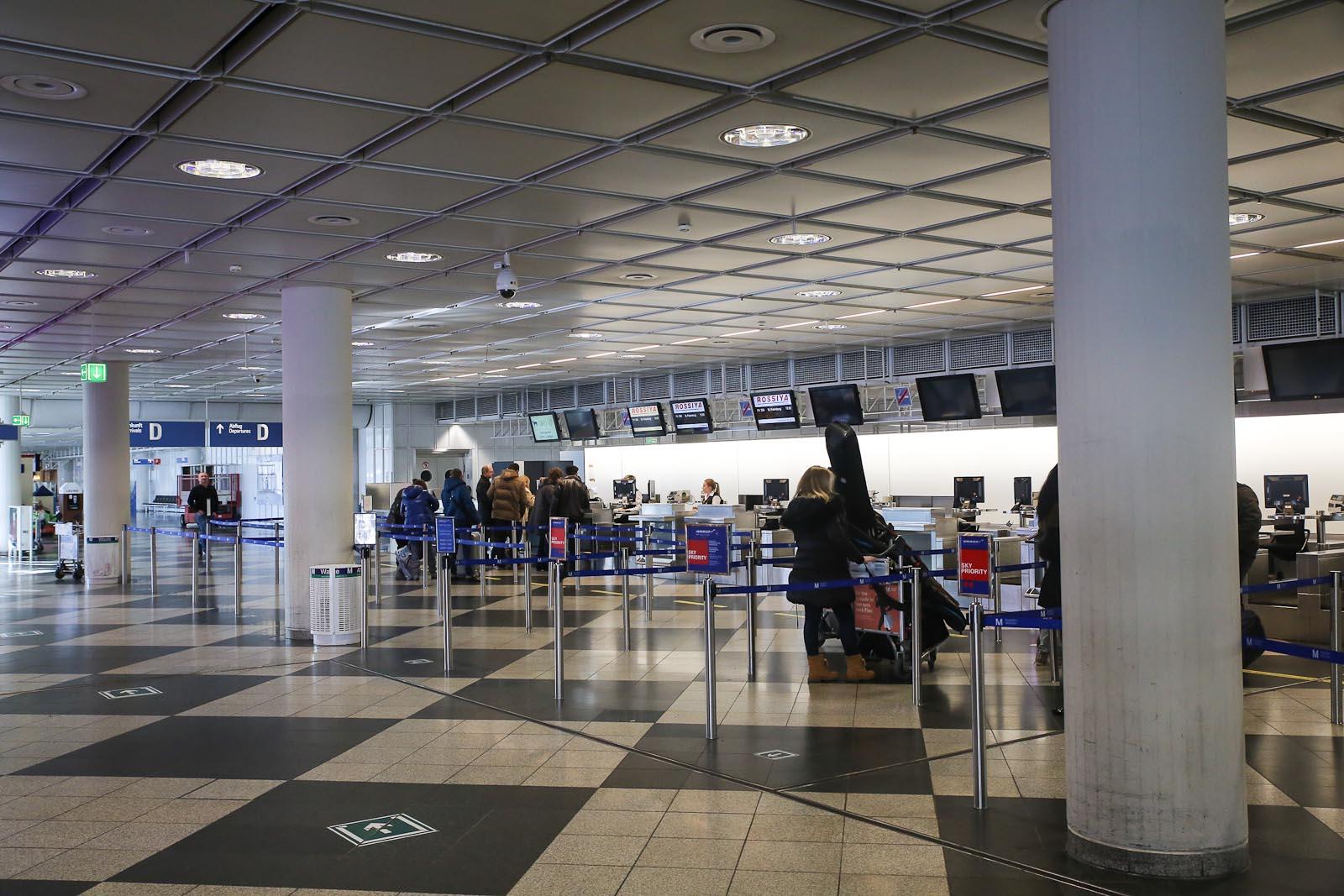 Стойки регистрации в секторе C терминала 1 аэропорта Мюнхен