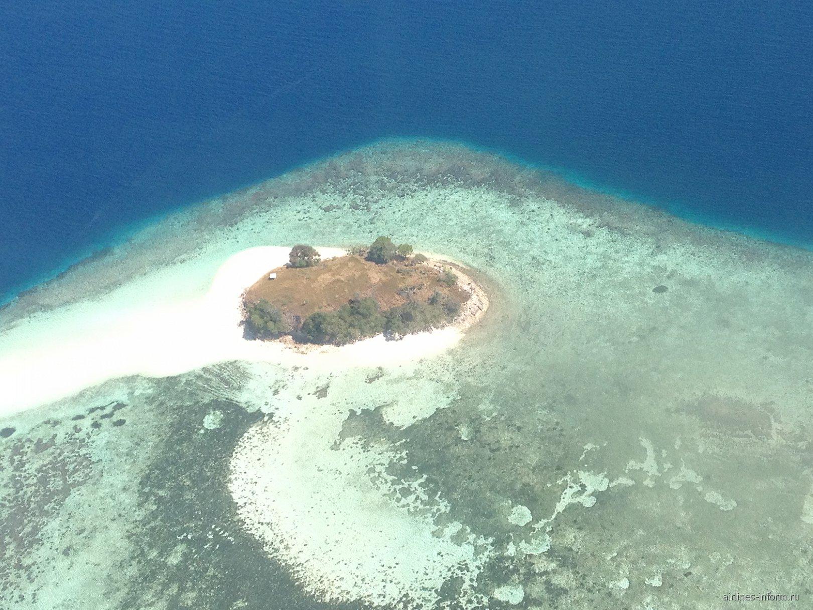 Маленький островок в Индонезии