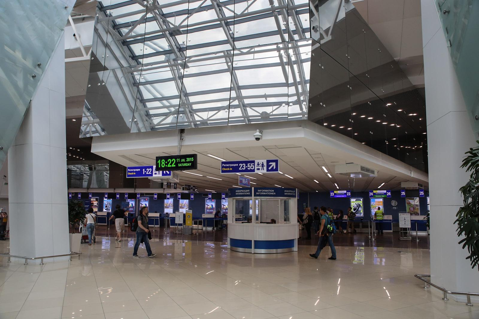 Стойки регистрации в аэропорту Минска