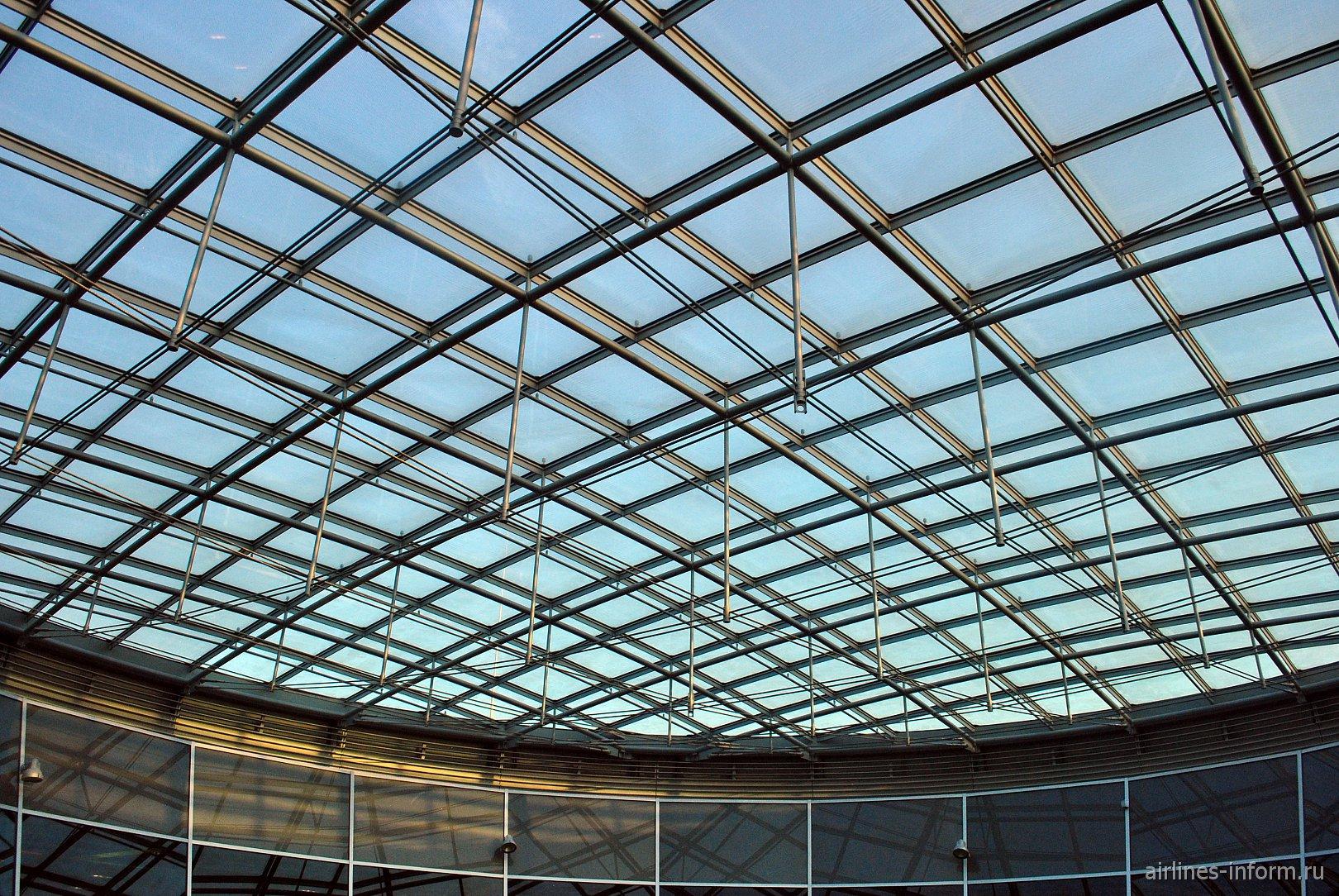 """Крыша """"купола"""" в аэропорту Франкфурт"""