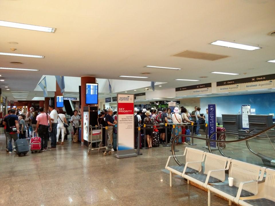 Зона регистрации в аэропорту Пуэрто-Игуасу