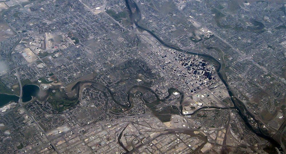 Вид на город Калгари с высоты 10 километров
