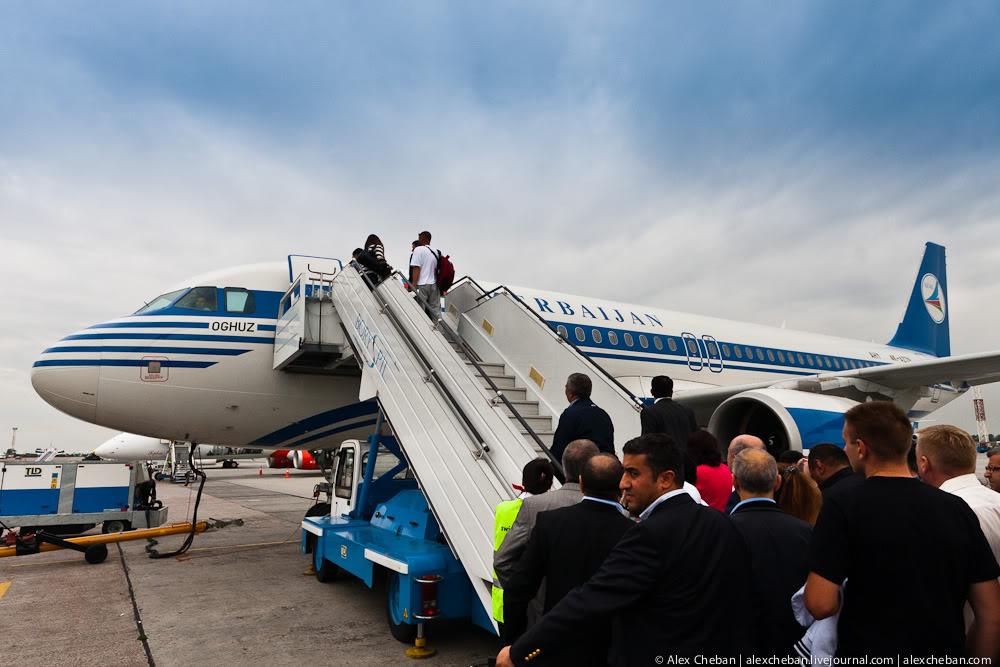 Посадка на рейс Киев-Баку Азербайджанских авиалиний
