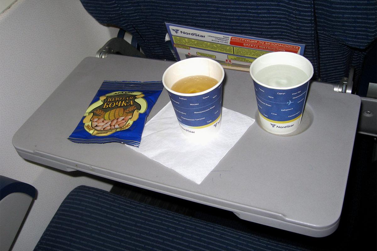 Питание на рейсе Москва-Красноярск авиакомпании НордСтар