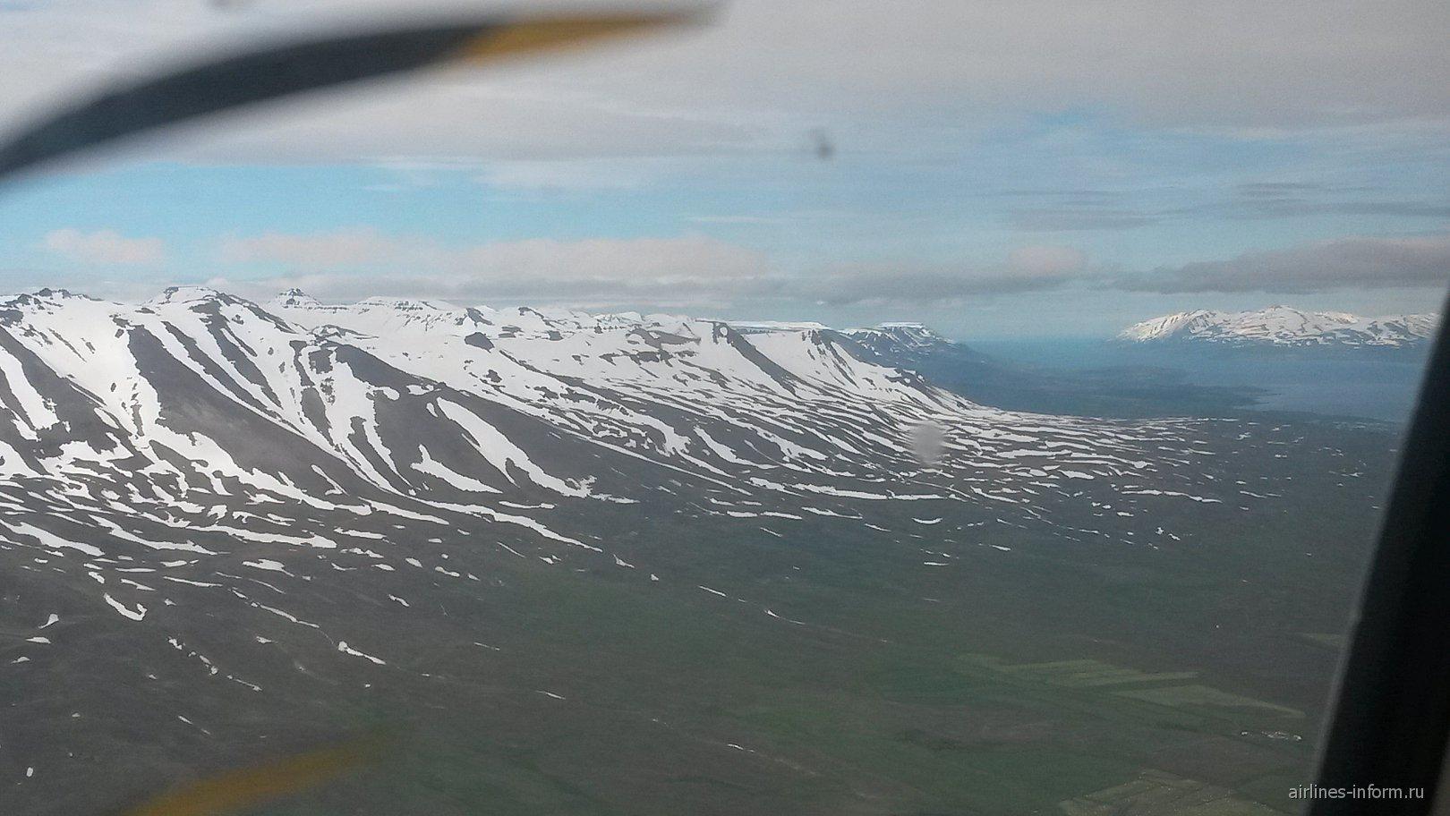 Рейс Рейкьявик-Акюрейри авиакомпании Air Iceland