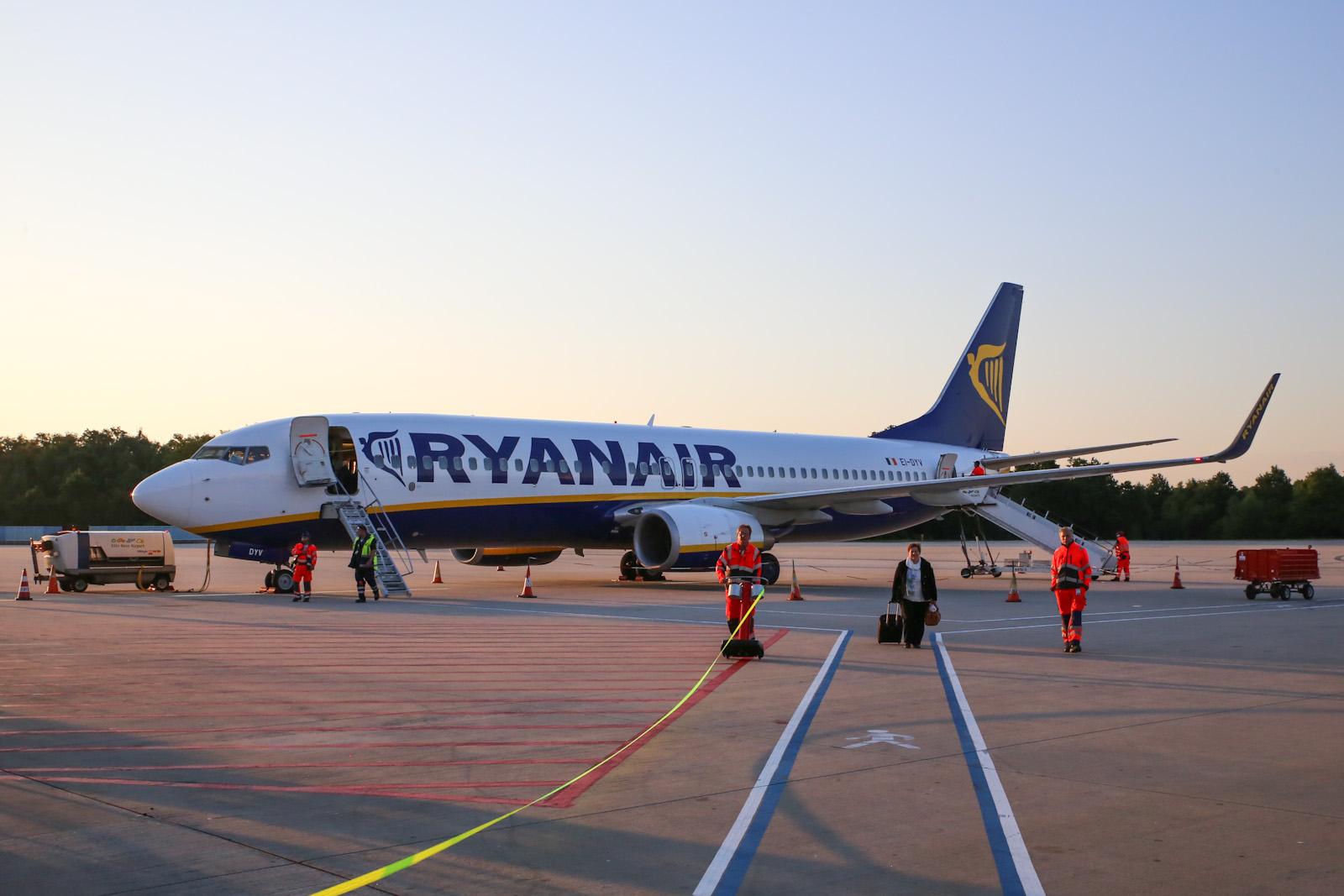Боинг-737-800 авиакомпании Ryanair в аэропорту Кёльн/Бонн