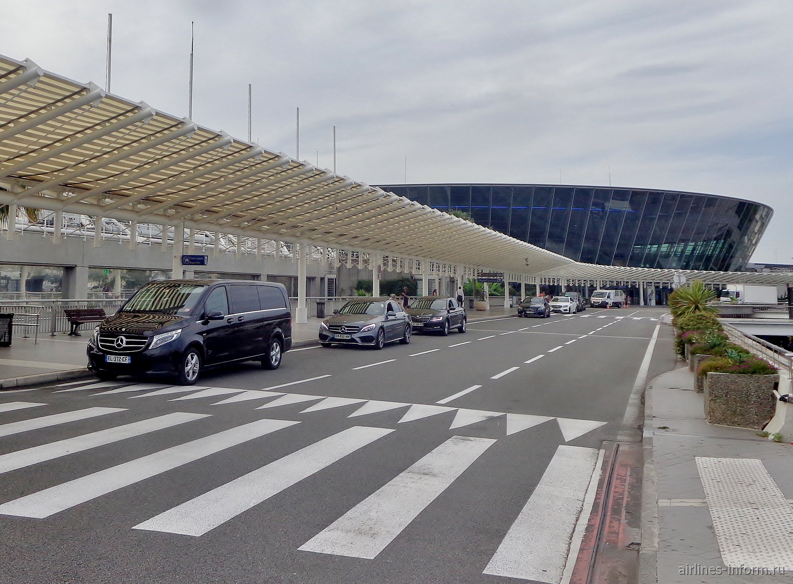 Терминал 2 аэропорта Ницца Лазурный берег