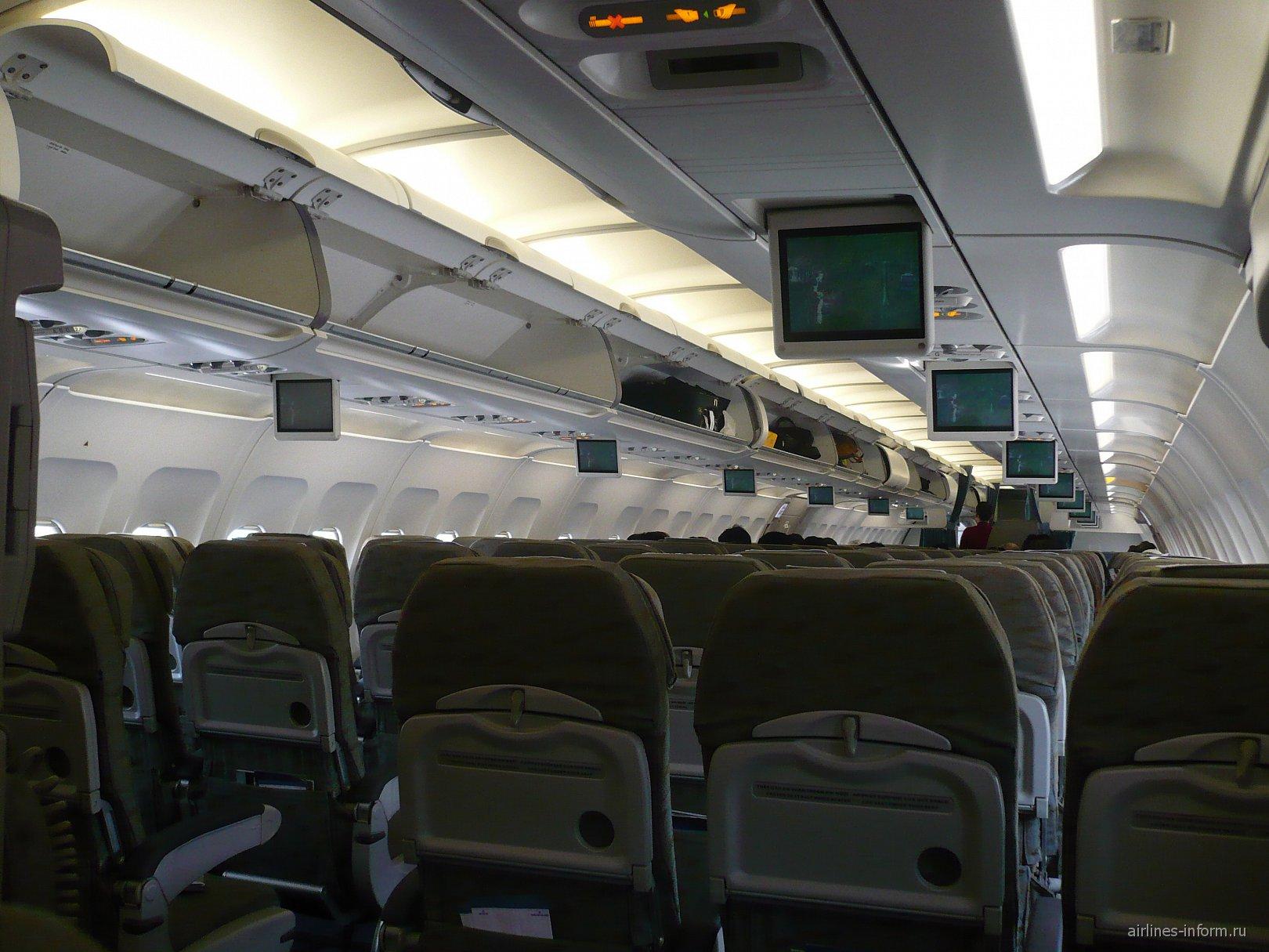 Салон самолета Airbus A321 Вьетнамских авиалиний