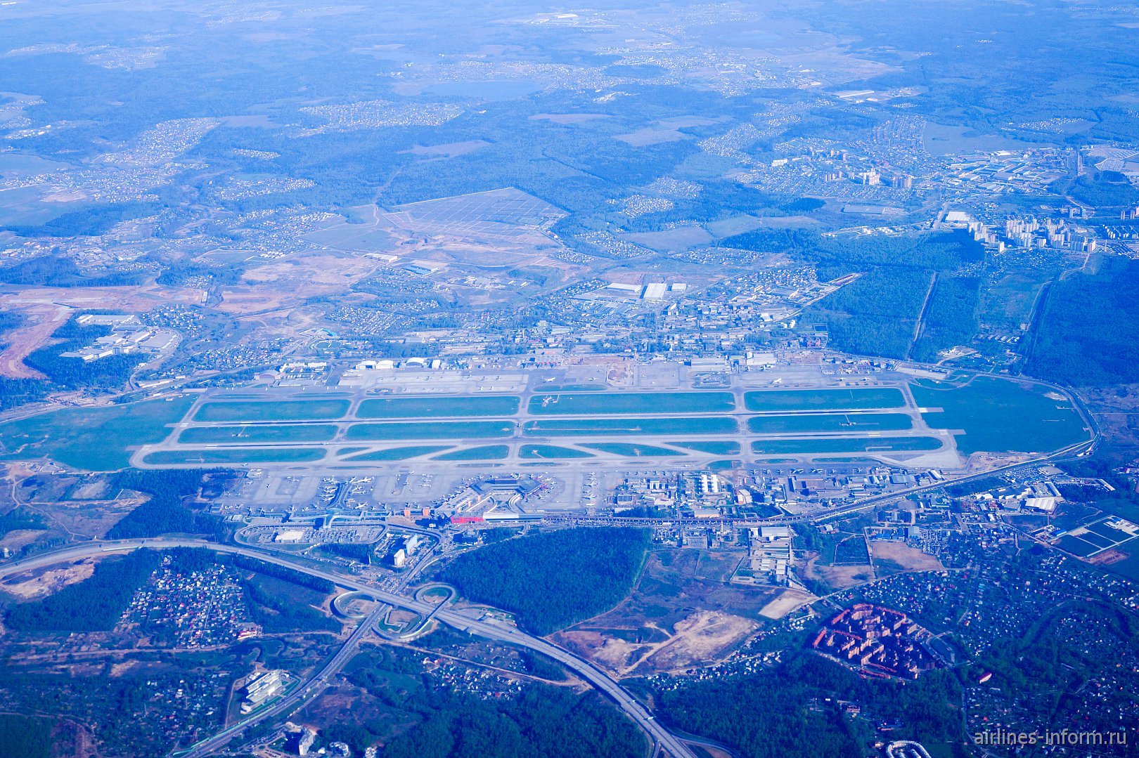 В Приморский край за 3000 р. Аэрофлотом. Омск-Москва, Airbus A320-214, VQ-BSI