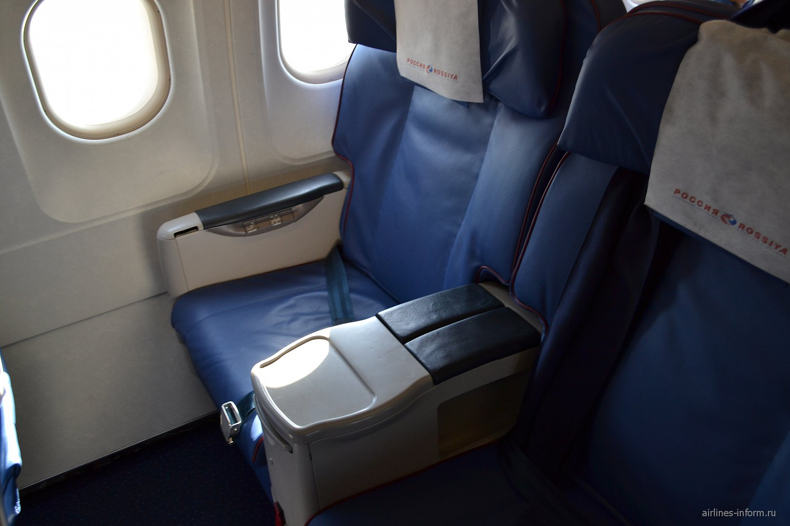 """Кресла бизнес-класса самолета Airbus A319 авиакомпании """"Россия"""""""