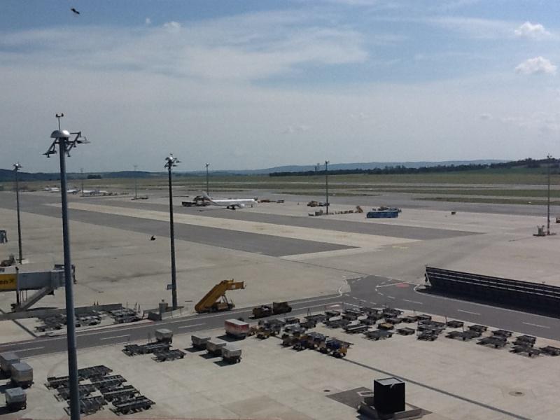 Смотровая площадка на крыше аэропорта Вена