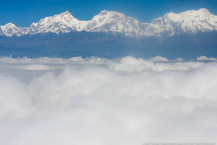 Горы Гималаи с самолета