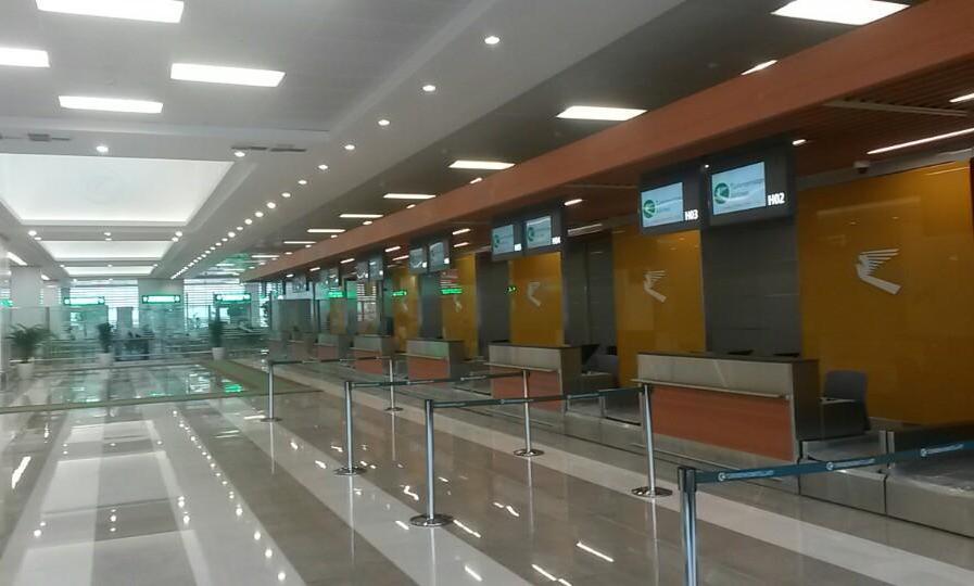 Стойки регистрации в аэропорту Ашхабада
