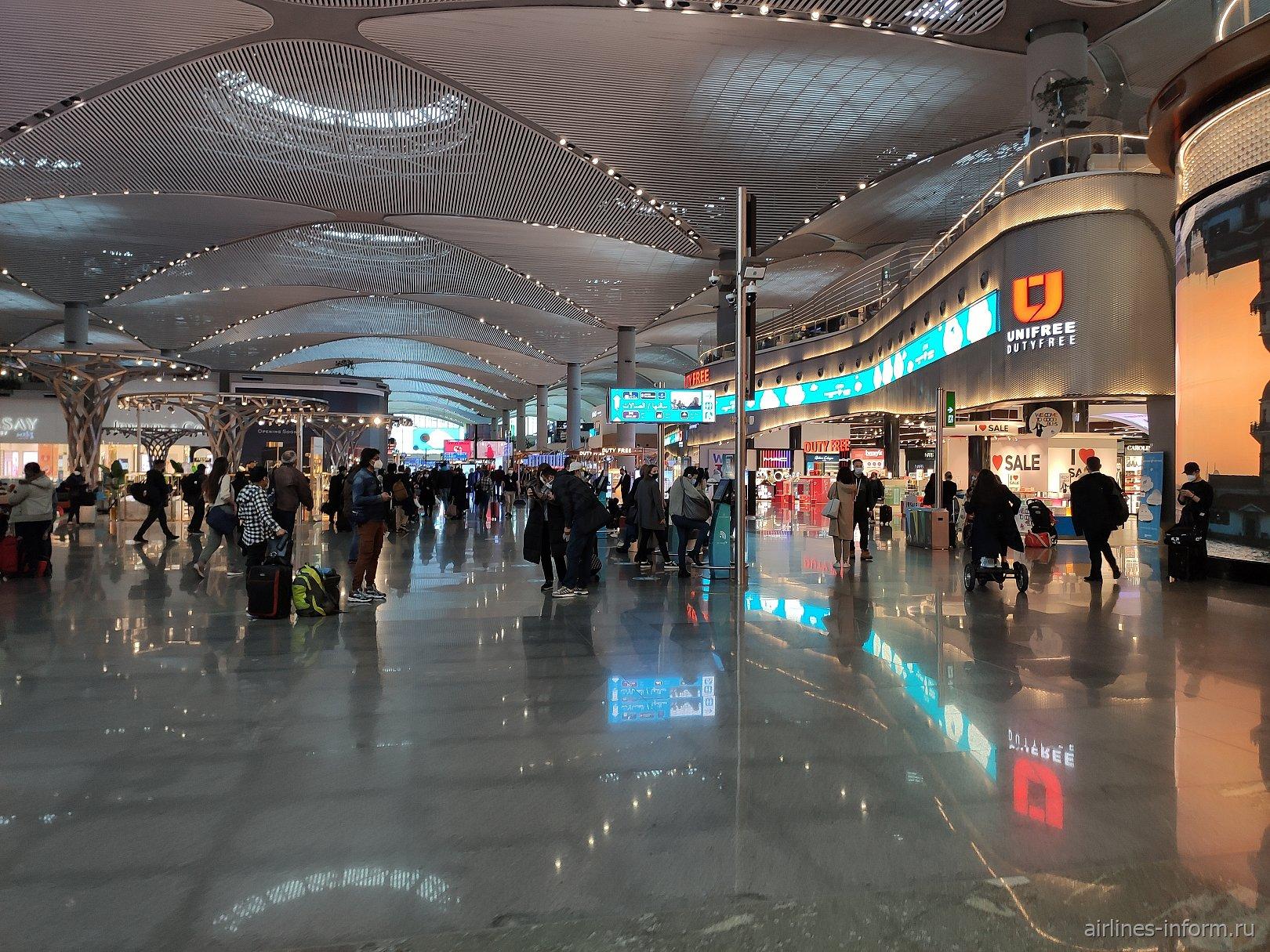 """Магазины в """"чистой"""" зоне международных вылетов аэропорта Стамбул Новый"""