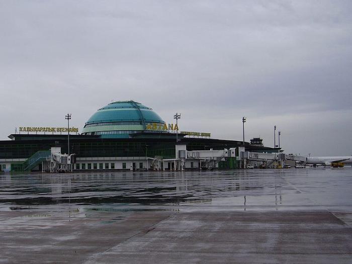 Аэропорт Астаны снаружи