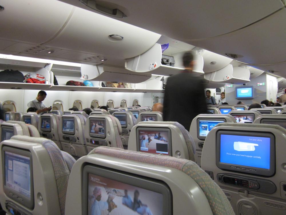 Салон экономического класса Airbus A380 Emirates