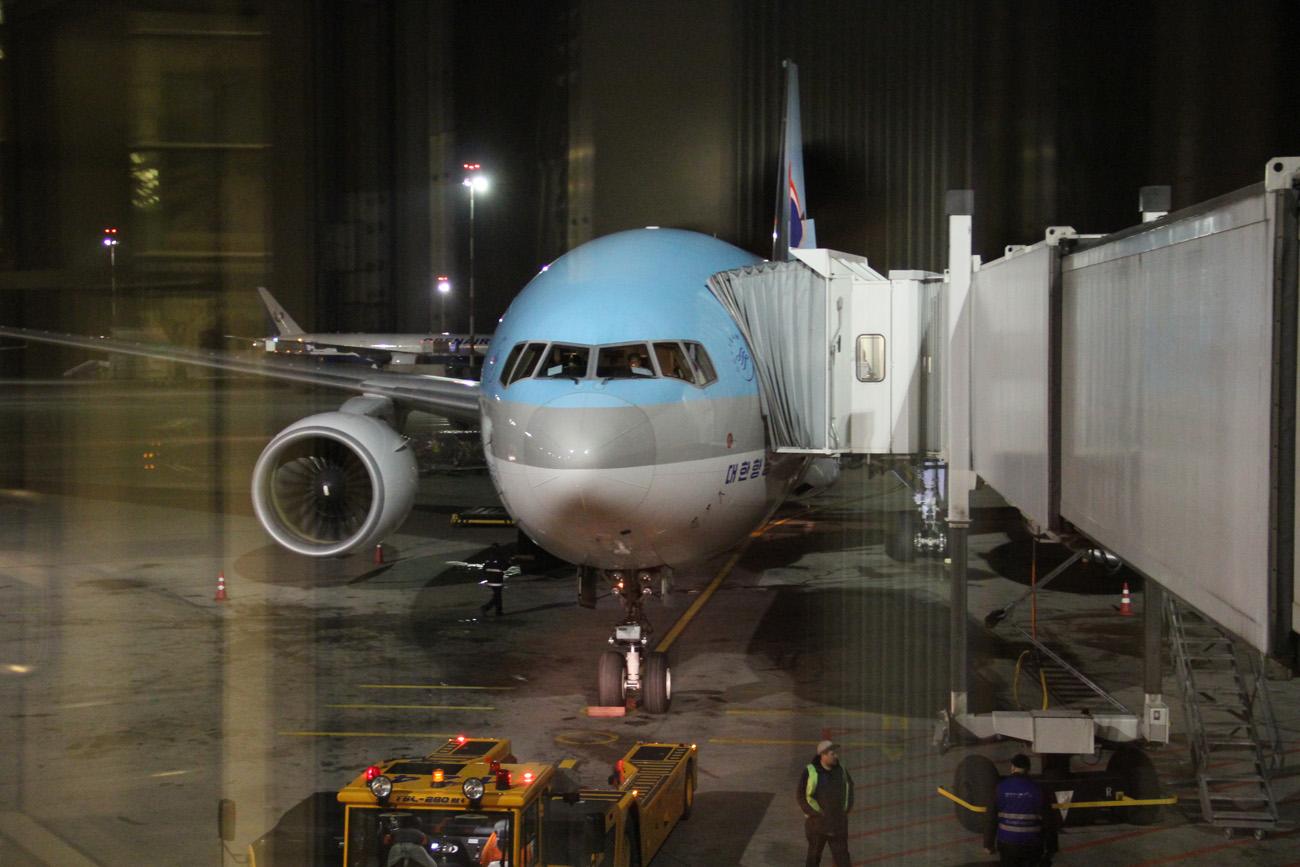 Боинг-777-200 авиакомпании Korean Air в аэропорту Шереметьево