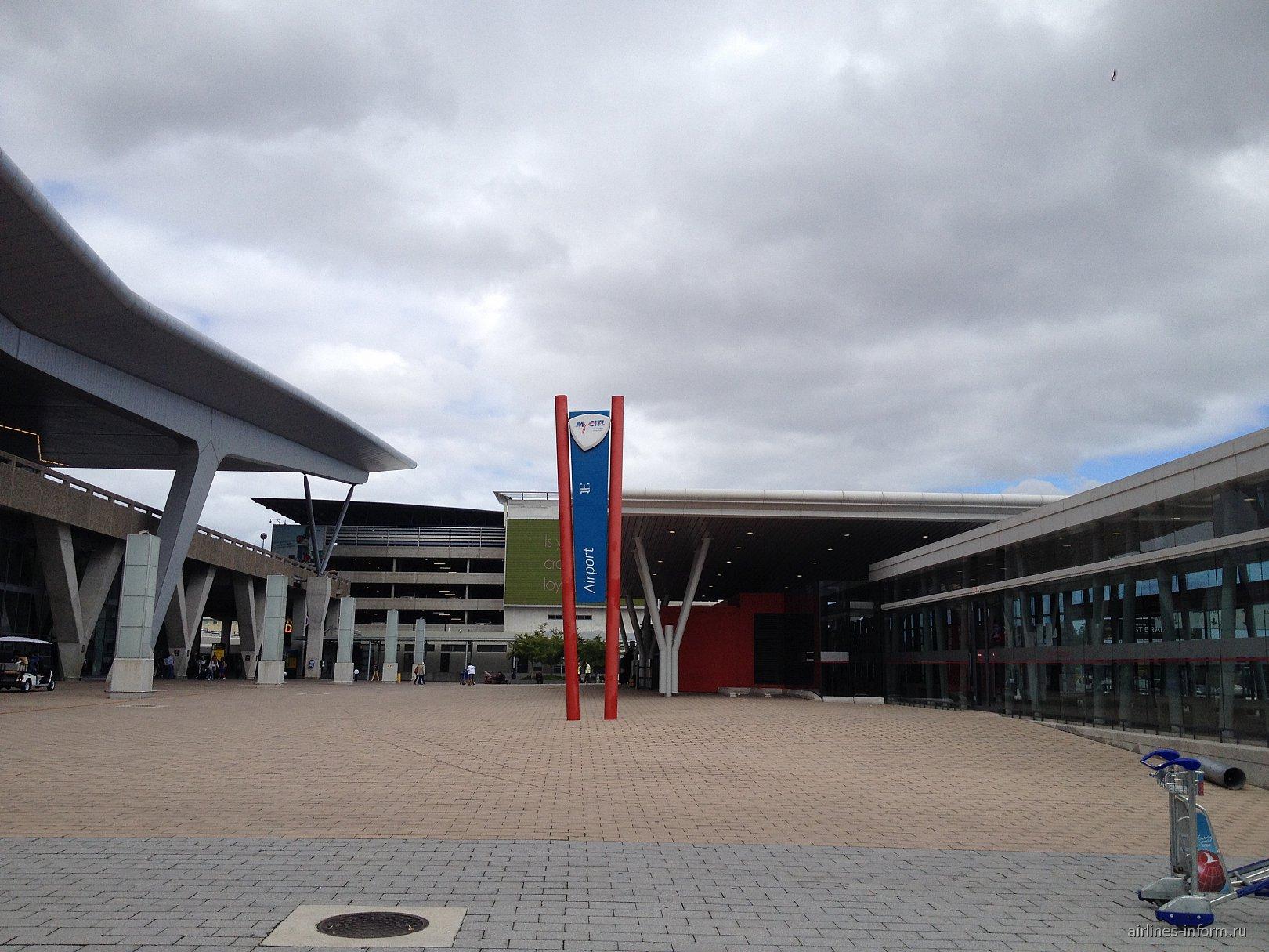 В аэропорту Кейптаун