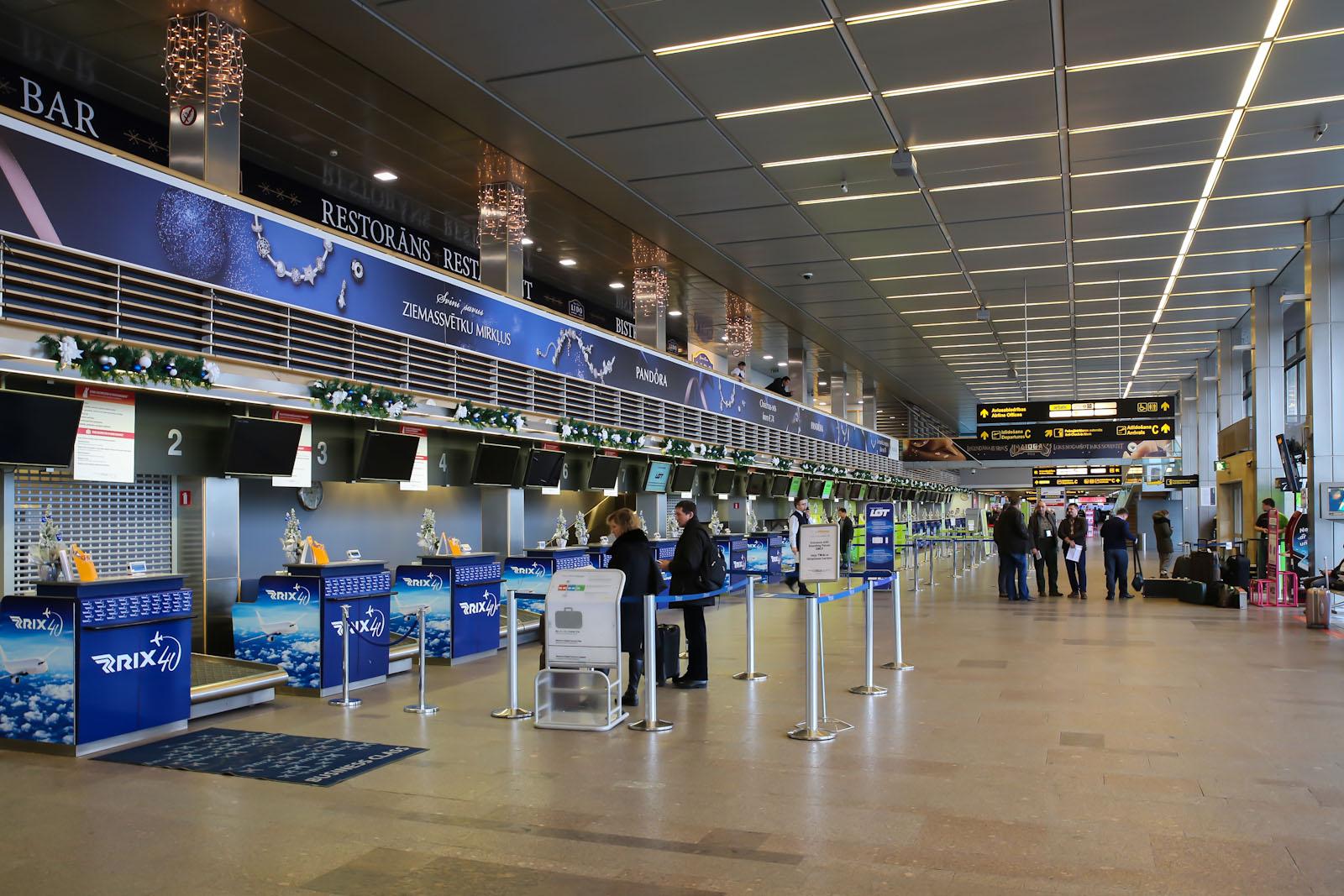 Зона регистрации на вылетающие рейсы в аэропорту Рига