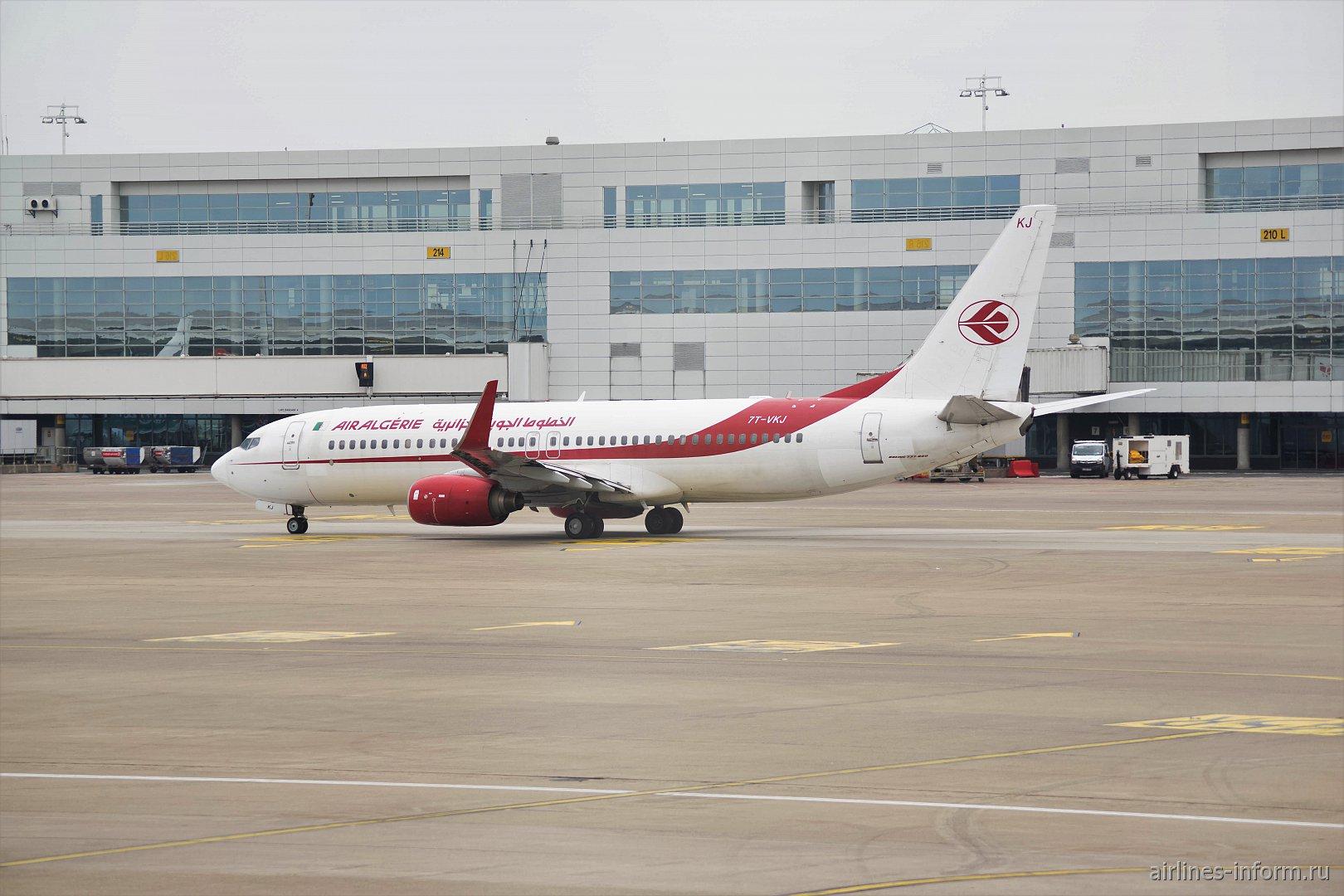 Боинг-737-800 авиакомпании Air Algerie в аэропорту Брюсселя