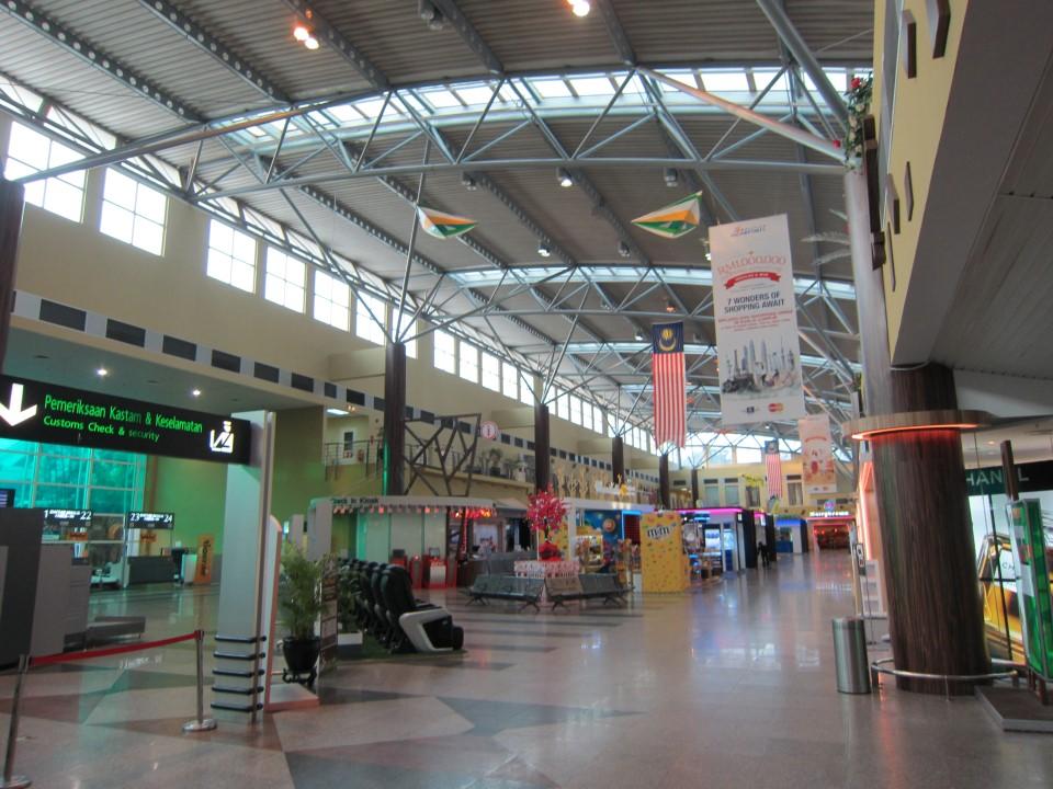 В аэровокзале аэропорта Лангкави