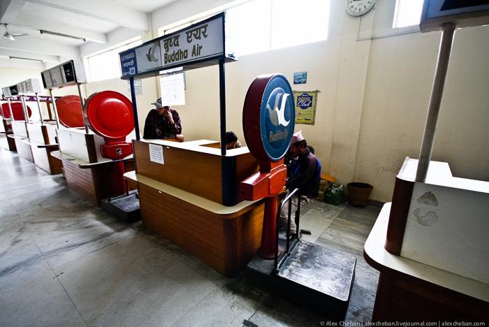 Зона регистрации аэропорта Покхара