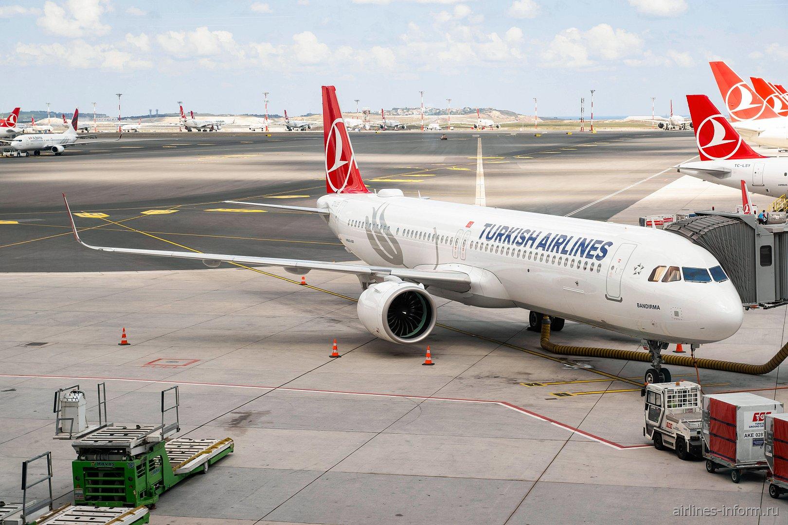 Airbus A321neo Турецких авиалиний в аэропорту Стамбула