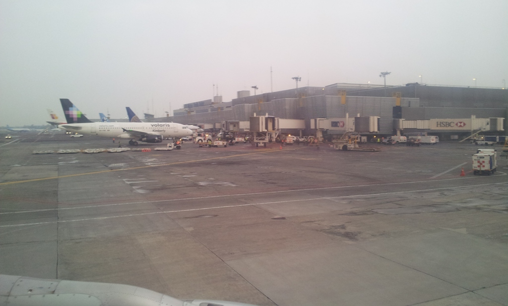 Терминал 1 аэропорта Мехико Бенито Хуарес