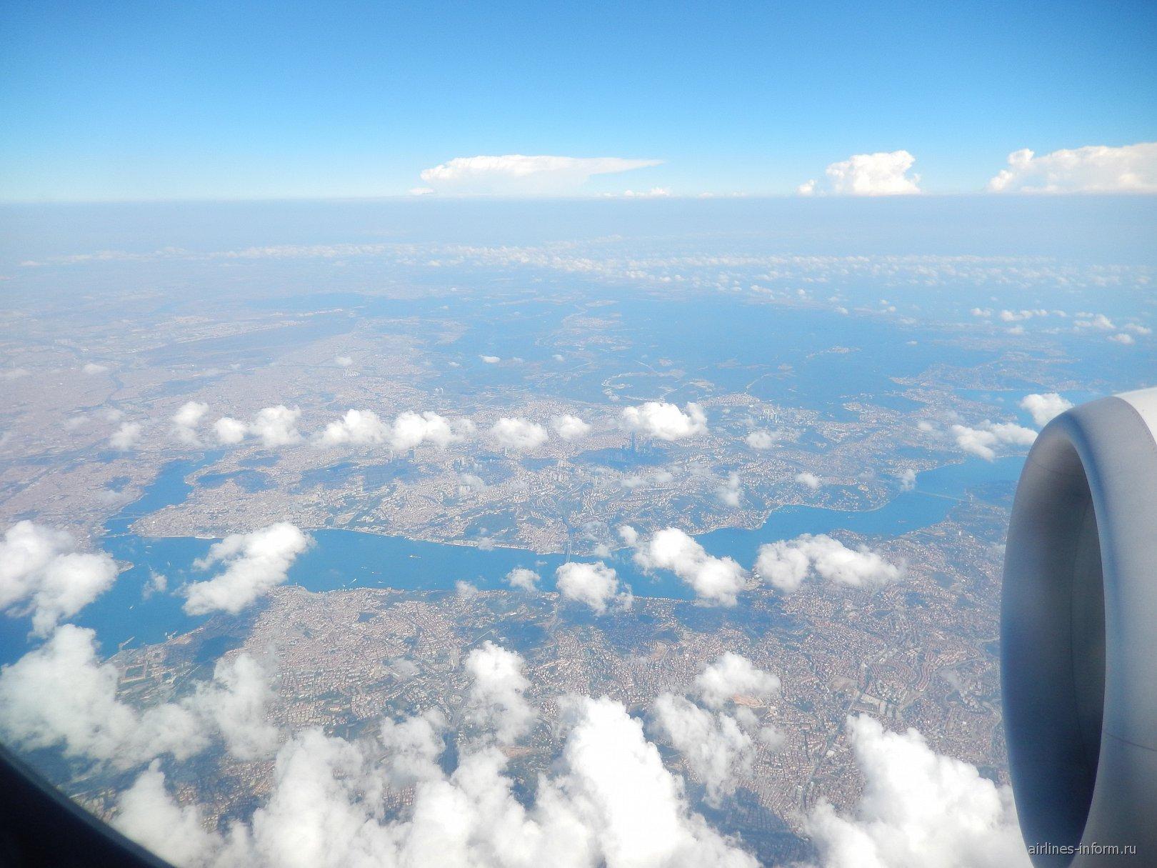 Пролив Босфор и город Стамбул