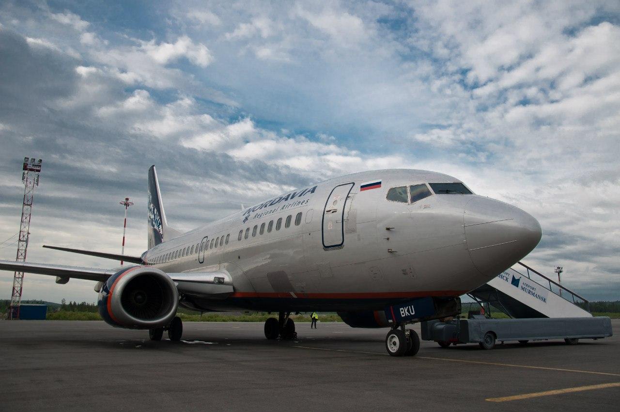 Боинг-737-500 авиакомпании Нордавиа в аэропорту Мурманска