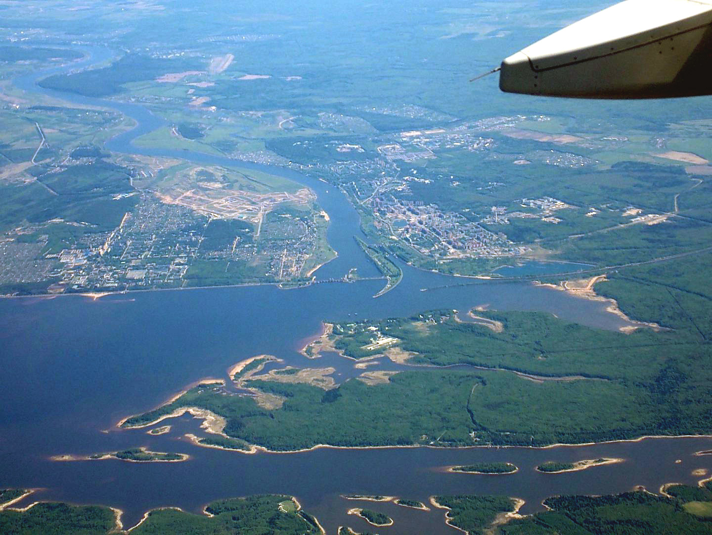 Город Дубна и река Волга