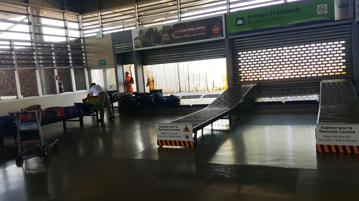 Зона выдачи багажа в аэропорту Сеймур