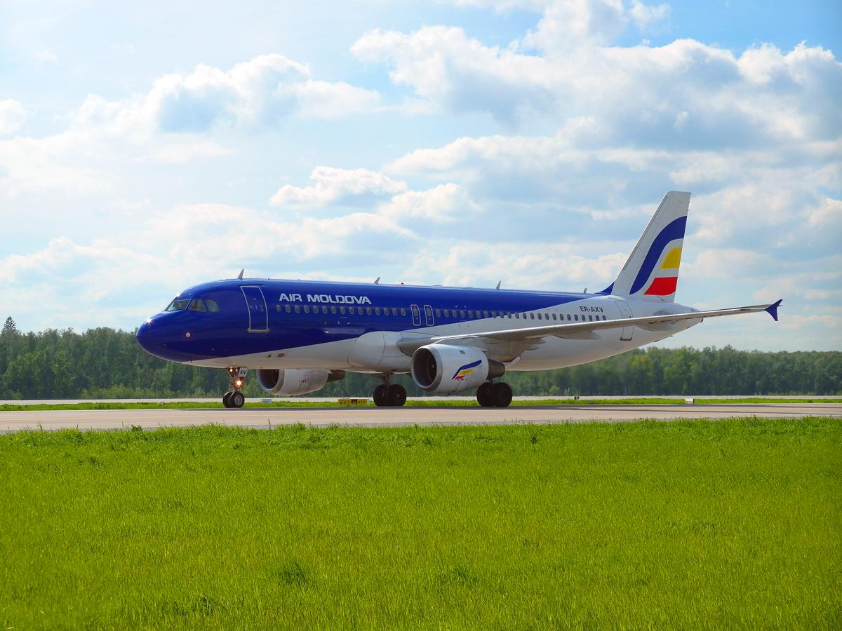 Airbus A320 авиакомпании Air Moldova в аэропорту Домодедово