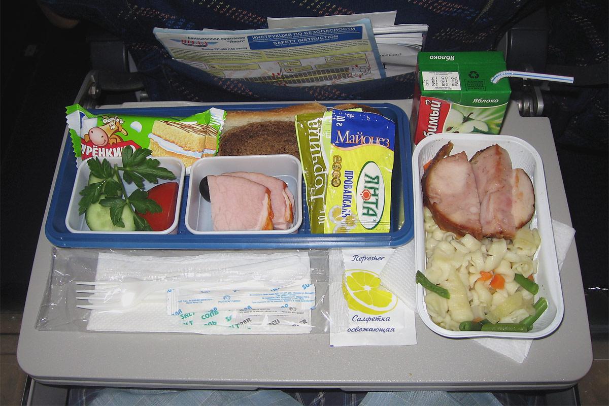 Питание на рейсе Красноярск-Москва авиакомпании Ямал
